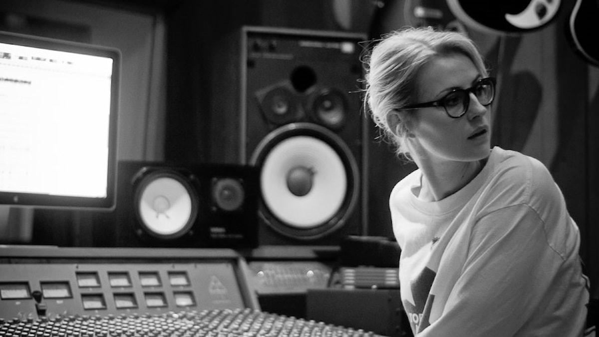Singer-songwritern och skådespelerskan Edda Magnason. Foto: Adam Tonér
