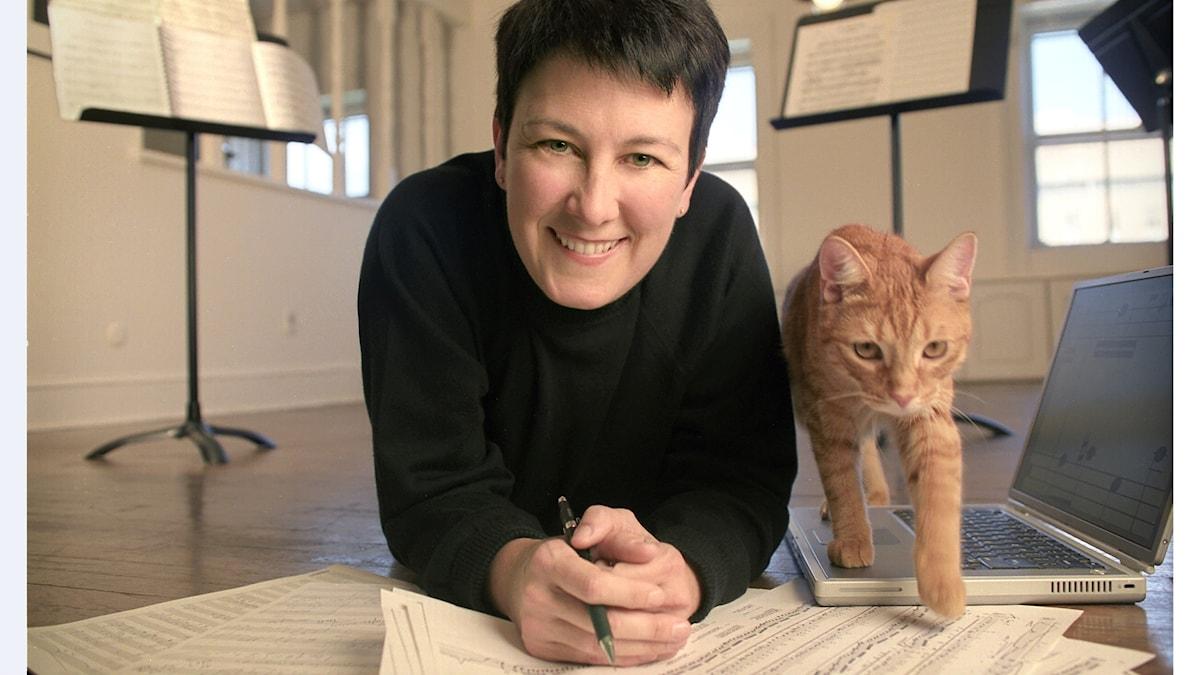 Tonsättaren Jennifer Higdon med katten Beau. Foto: Candace DiCarlo