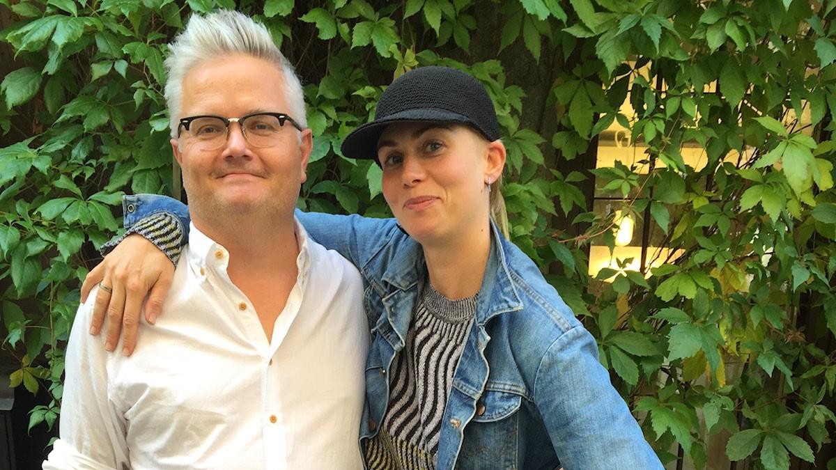Jan Gradvall och Anna Ternheim. Foto: Lovisa Ohlson/SR.
