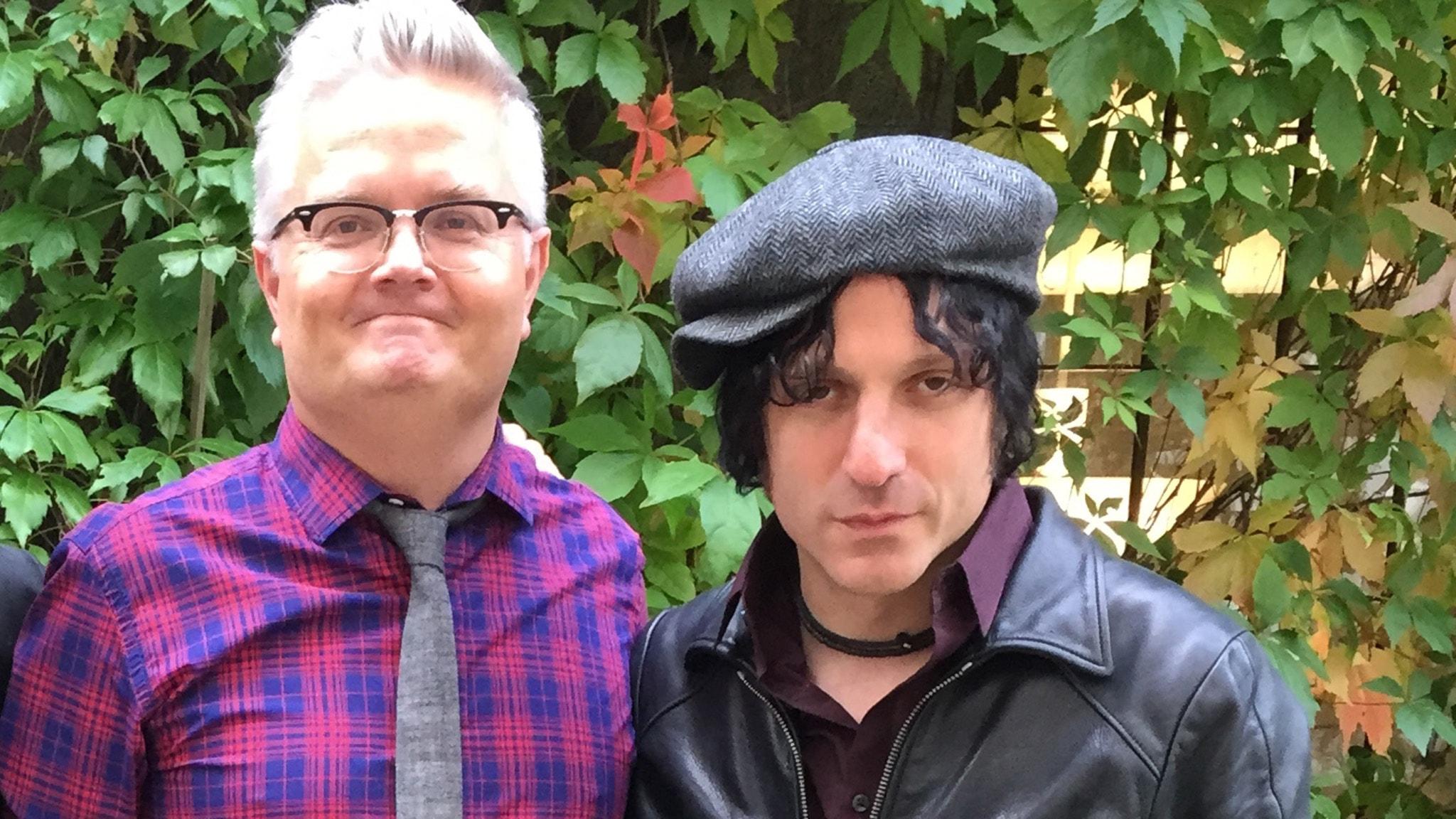 Jan Gradvall och Jesse Malin. Foto: Lovisa Ohlson/SR.