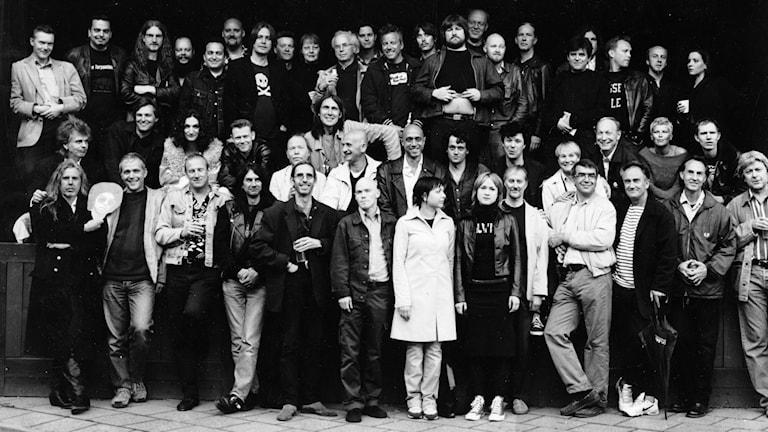 Gruppfoto med nästan alla som blir intervjuade i Livet är en Fest-serien. Bild: Tina Axelsson