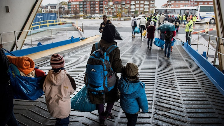 Flyktingar anländer till Trelleborg med TT-Line färjan från Rostock.