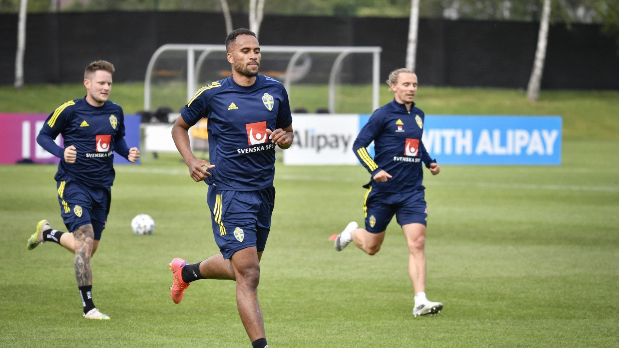 Landslaget tränar i Göteborg, inför fotbolls-EM.