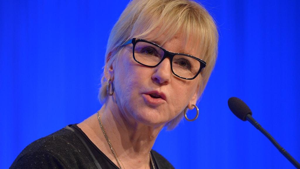 Utrikesminister Margot Wallström i talarstolen.