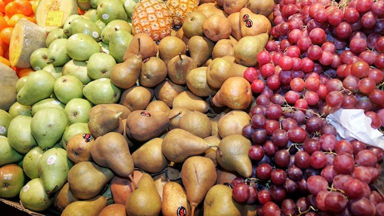 frukt vindruvor päron