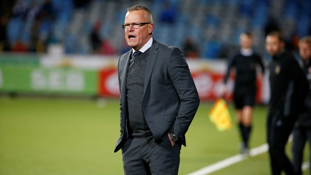 Norrköpings tränare Janne Andersson på fotbollsplanen.
