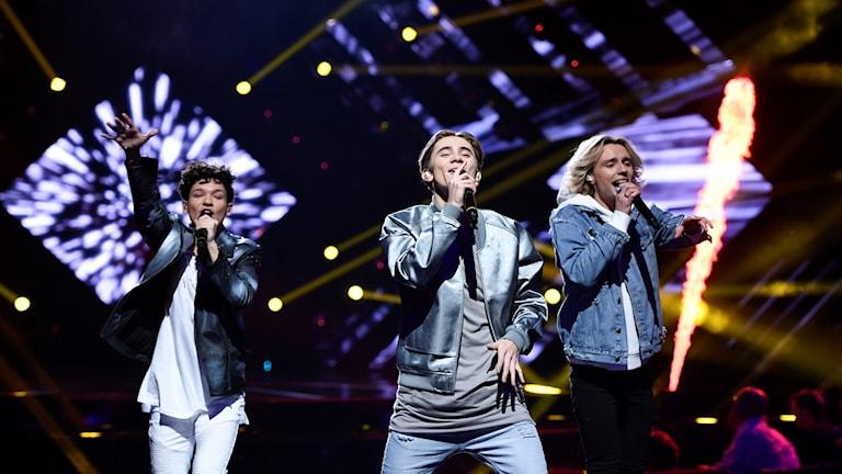 FO&O framför bidraget Gotta Thing About You under duell 1 vid Andra Chansen deltävlingen i Melodifestivalen 2017