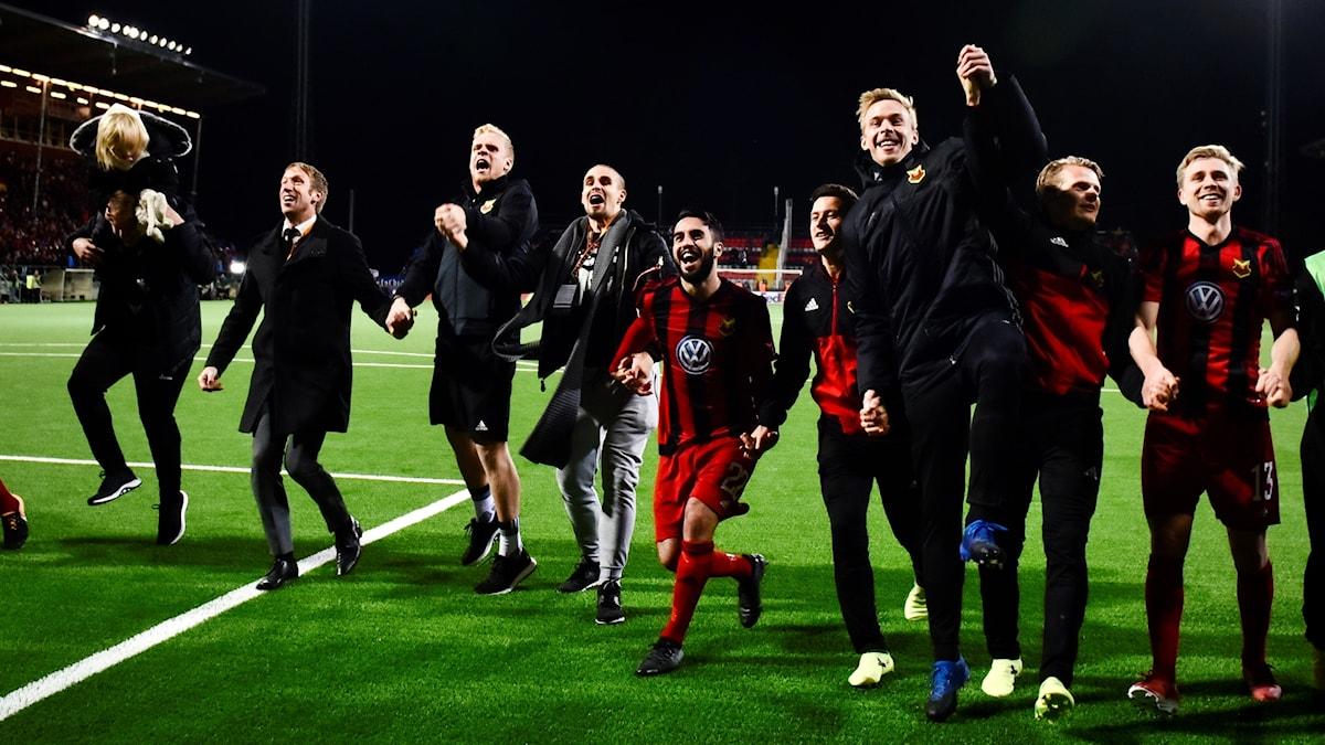 Östersundsjubel efter segern i torsdagens fotbollsmatch i Europa League (grupp J) mellan Östersunds FK och Hertha Berlin på Jämtkraft Arena.