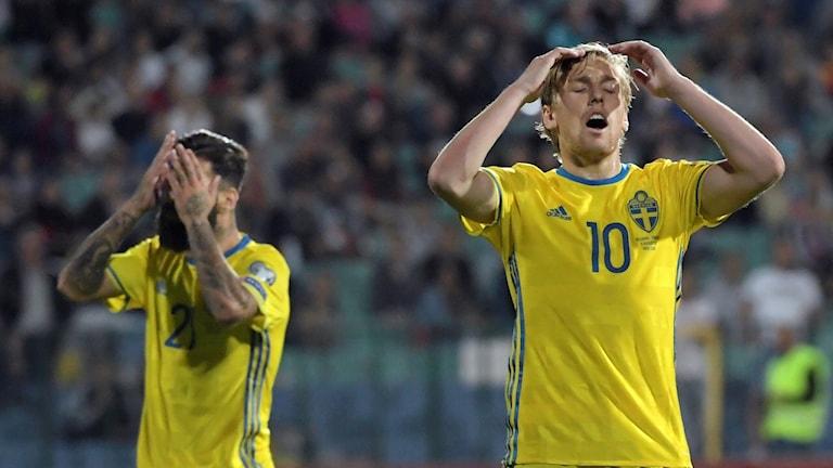 Sveriges Emil Forsberg reagerar efter chans på frispark under torsdagens VM-kval match grupp A mellan Bulgarien och Sverige på Vasil Levski National Stadium i Sofia.
