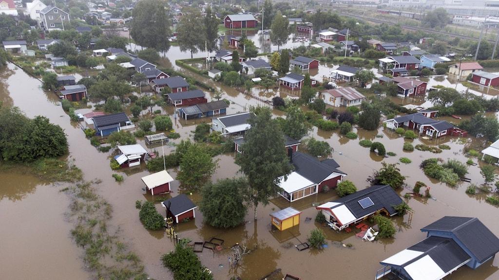 Översvämning vid ett bostadsområde vid Södra Kungsvägen i Gävle.