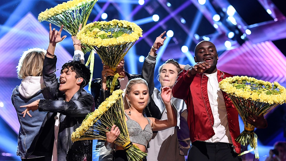 FO&O (Gotta Thing About You), Lisa Ajax (I Dont Give A), Boris René (Her Kiss) och Anton Hagman (Kiss You Goodbye) jublar efter att de gått vidare till finalen i Friends Arena efter Andra Chansen deltävlingen i Melodifestivalen 2017.