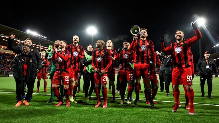 Östersund jublar efter 2-0-segern i torsdagens fotbollsmatch i Europa League