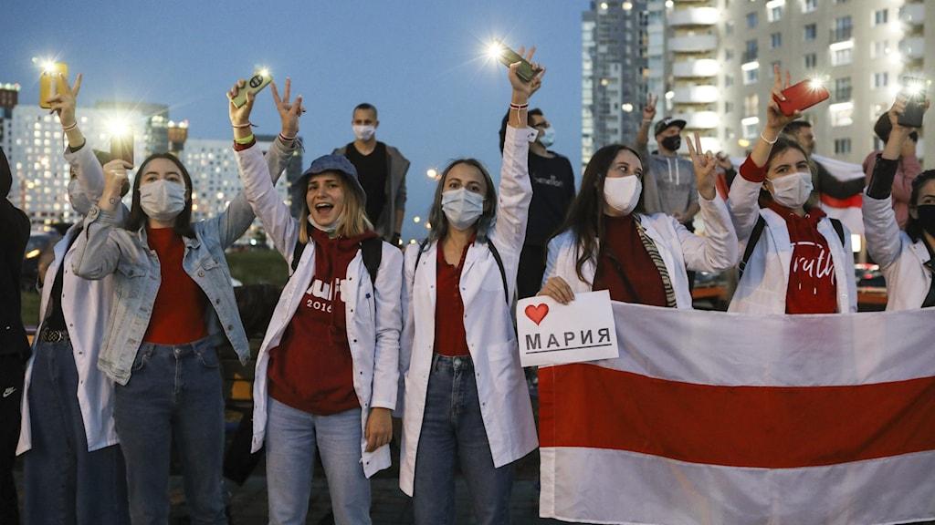 Vårdpersonal protesterar i Belarus.