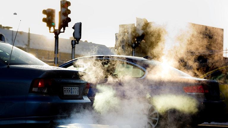 Växthusgaser orsakas bland annat av att vi kör mer bil.