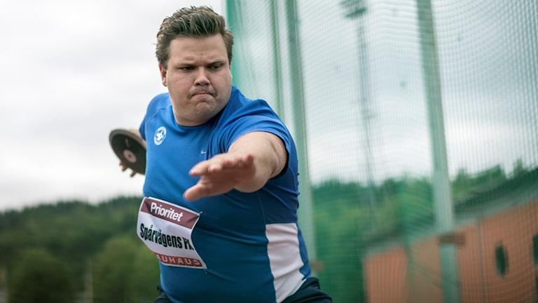 Diskuskastaren Daniel Ståhl. Många hoppas att han vinner guld på VM i London.