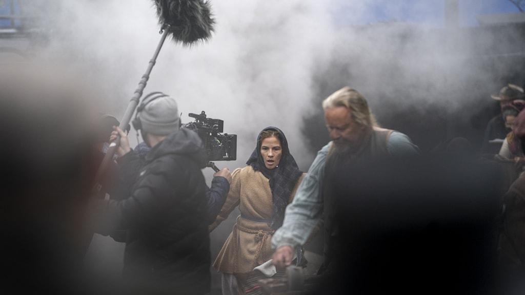 """En bild från inspelningen av filmen """"Utvandrarna""""."""