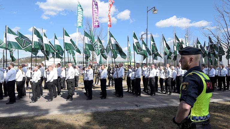 Nazistiska NMR demonstrerade på 1 maj i Falun.