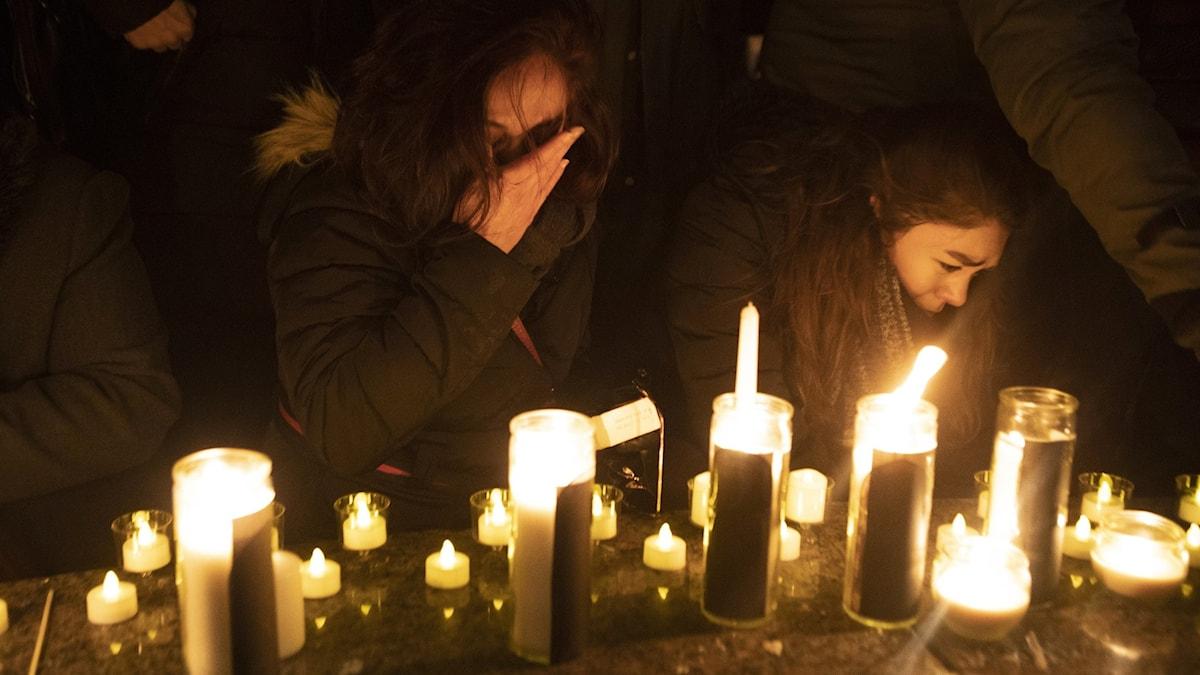 Sorg i Kanada över dem som dog i flygkraschen.