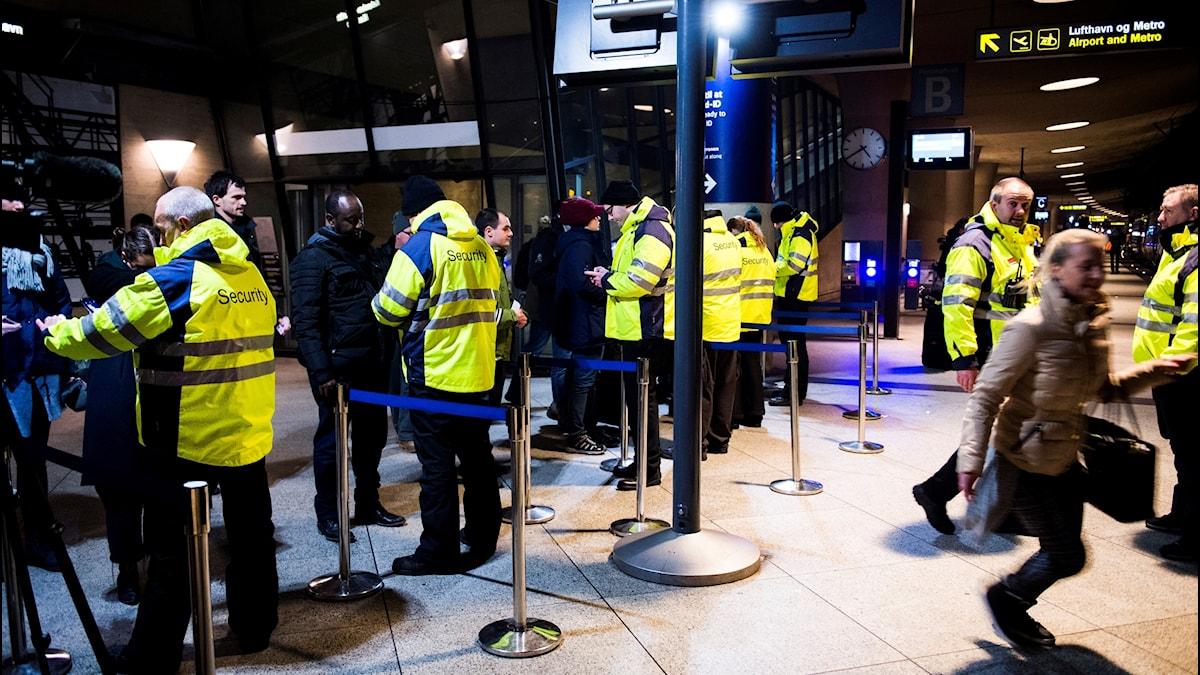 ID-kontroller vid tågstationen på Kastrup flygplats i Köpenhamn