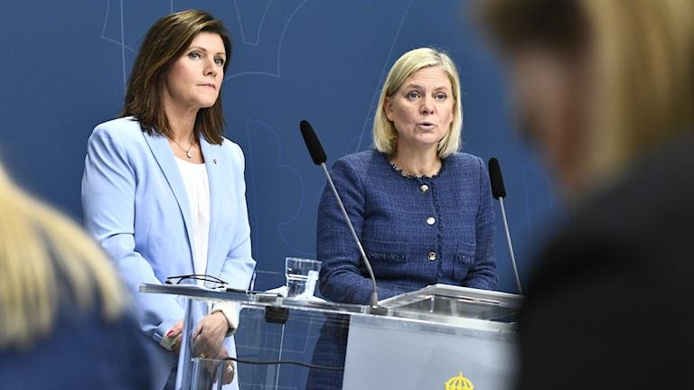 Arbetsmarknadsminister Eva Nordmark och finansminister Magdalena Andersson.