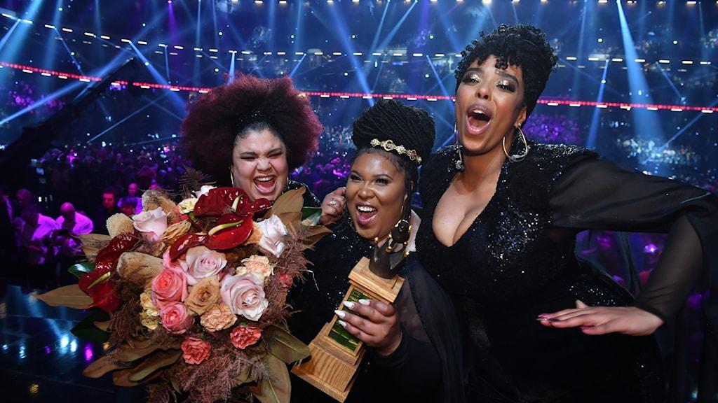 The Mamas jublar när de vinner Melodifestivalen