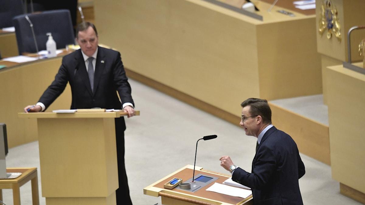Statsminister Stefan Löfven och Moderaternas partiledare Ulf Kristersson på debatten i riksdagen.