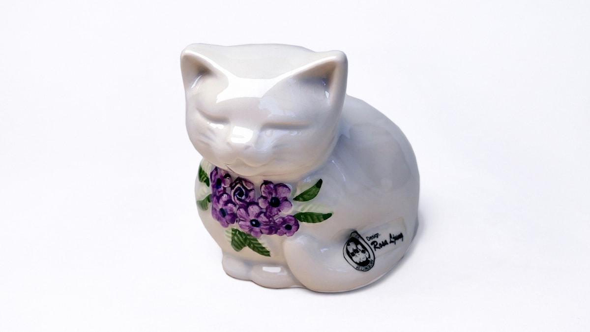 Keramikkatt av Rosa Ljung