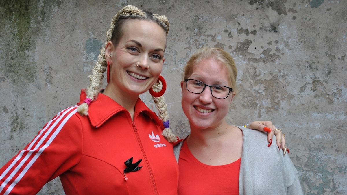 Emma tillsammans med Sanna Bråding.