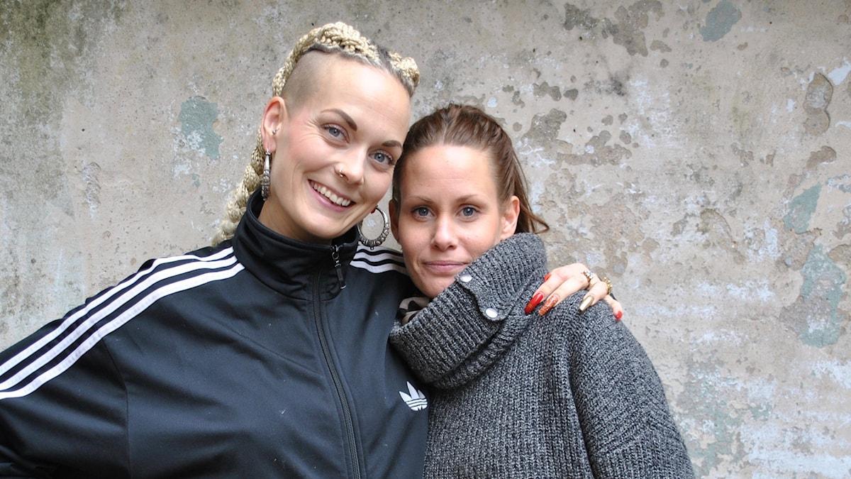 Therese tillsammans med Sanna Bråding.