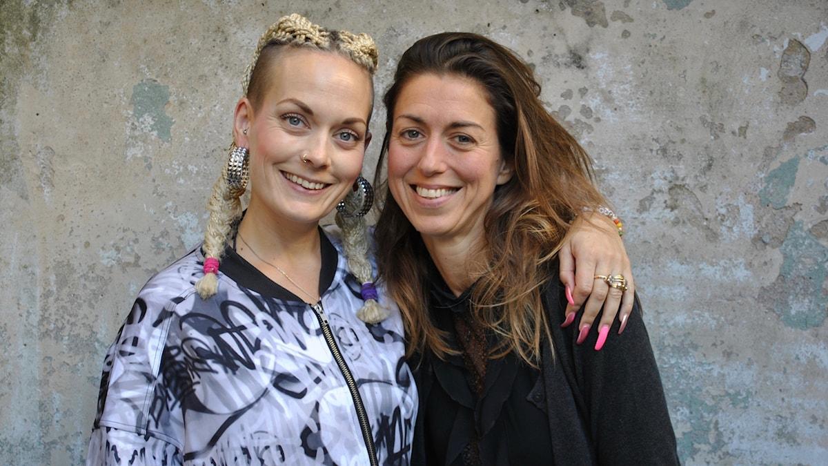 Maria tillsammans med Sanna Bråding.