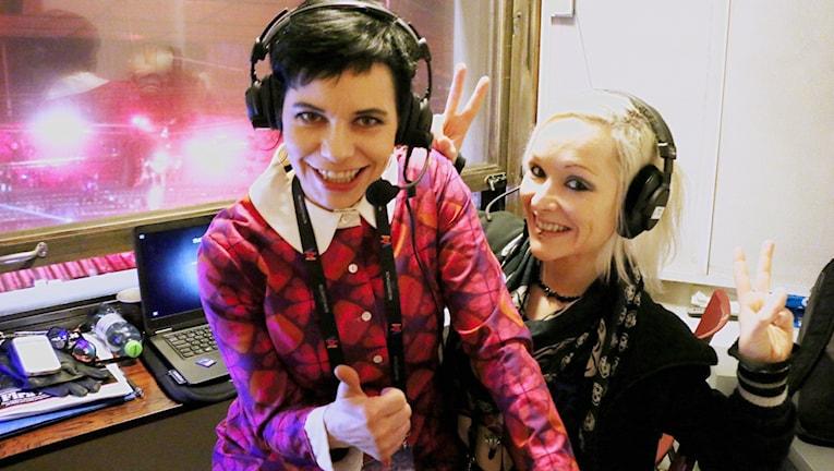 Expertkommentator för Melodifestivalen och Eurovision sen 1999 - Carolina Norén guidar dig genom årets schlagerfest varje lördag i Sveriges Radio P4. Vid sin sida har hon sin digitala kollega och vapendragare Ronnie Ritterland som minut för minut varje vecka rapporterar allt du behöver veta.