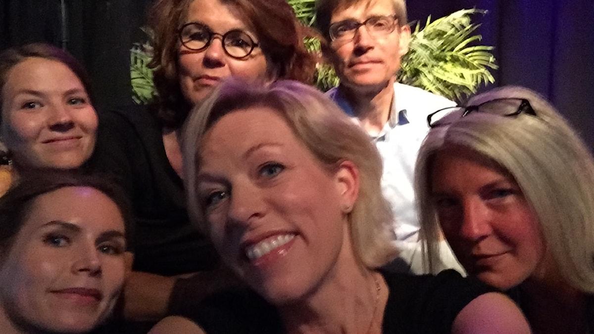 Sångerskan och artisten Nina Persson, Heidi Avellan, politisk redaktör på Sydsvenskan, Per Svensson politisk redaktör på Dagens Nyheter och Ginna Lindberg, USApoddens nestor och utrikeschef på Ekot.