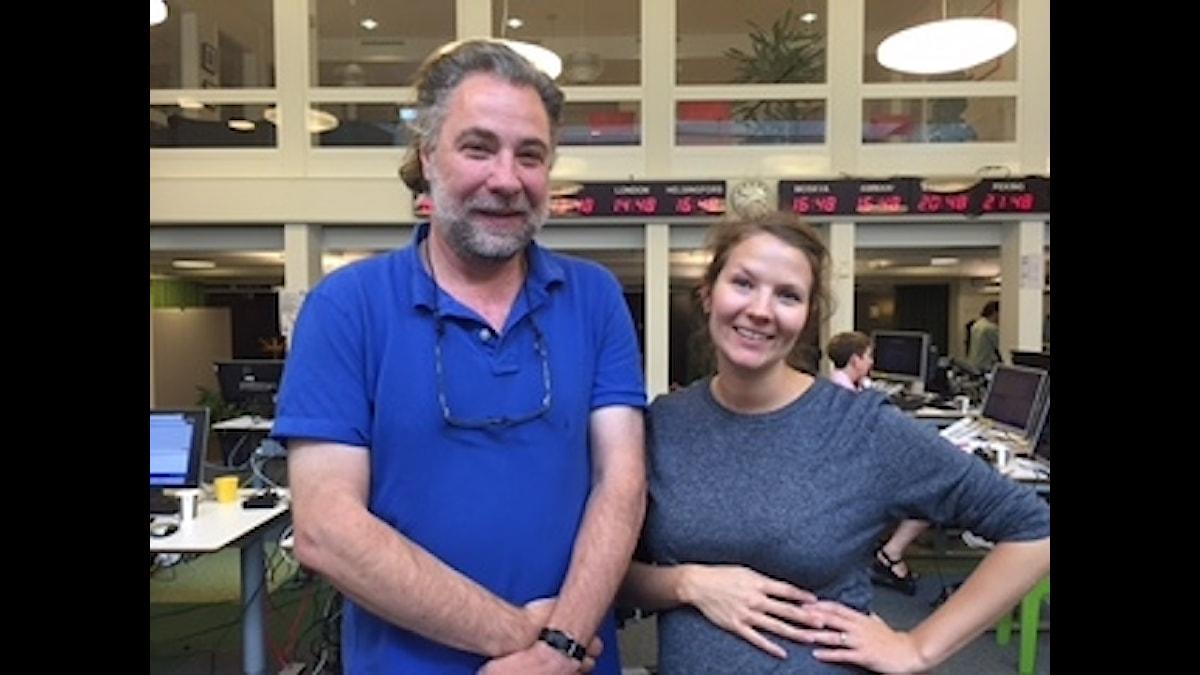 Anders Ask, utrikesredaktör Ekot och Cecilia Khavar, programledare. Foto: Lisa Abrahamsson, Sveriges Radio