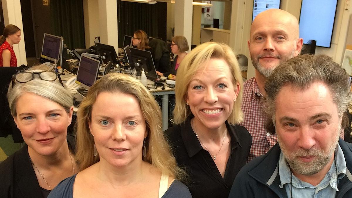 Sara Stenholm, Ci Holmgren, Ginna Lindberg, Lasse Johansson och Anders Ask. Foto: Sveriges Radio.