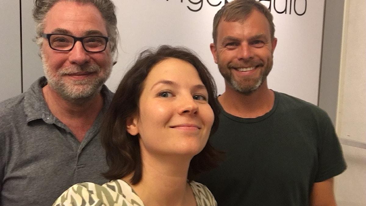 Anders Ask, utrikesredaktör på Ekot, Ivar Ekman, programledare Konflikt i P1 och Cecilia Khavar, programledare och producent.