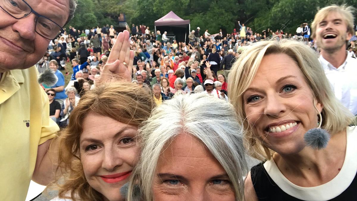 USApodden med Dag Blanck, Kajsa Boglind, Ginna Lindberg, Sara Stenholm Pihl och musikern Jonas Abrahamsson.