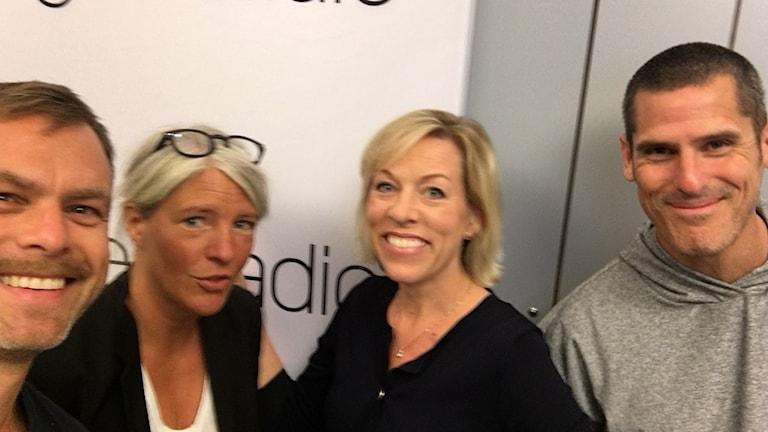Billy McCormac, PR-konsult och USA-expert, Ginna Lindberg, utrikeschef på Ekot, Ivar Ekman, programledare Konflikt i P1.