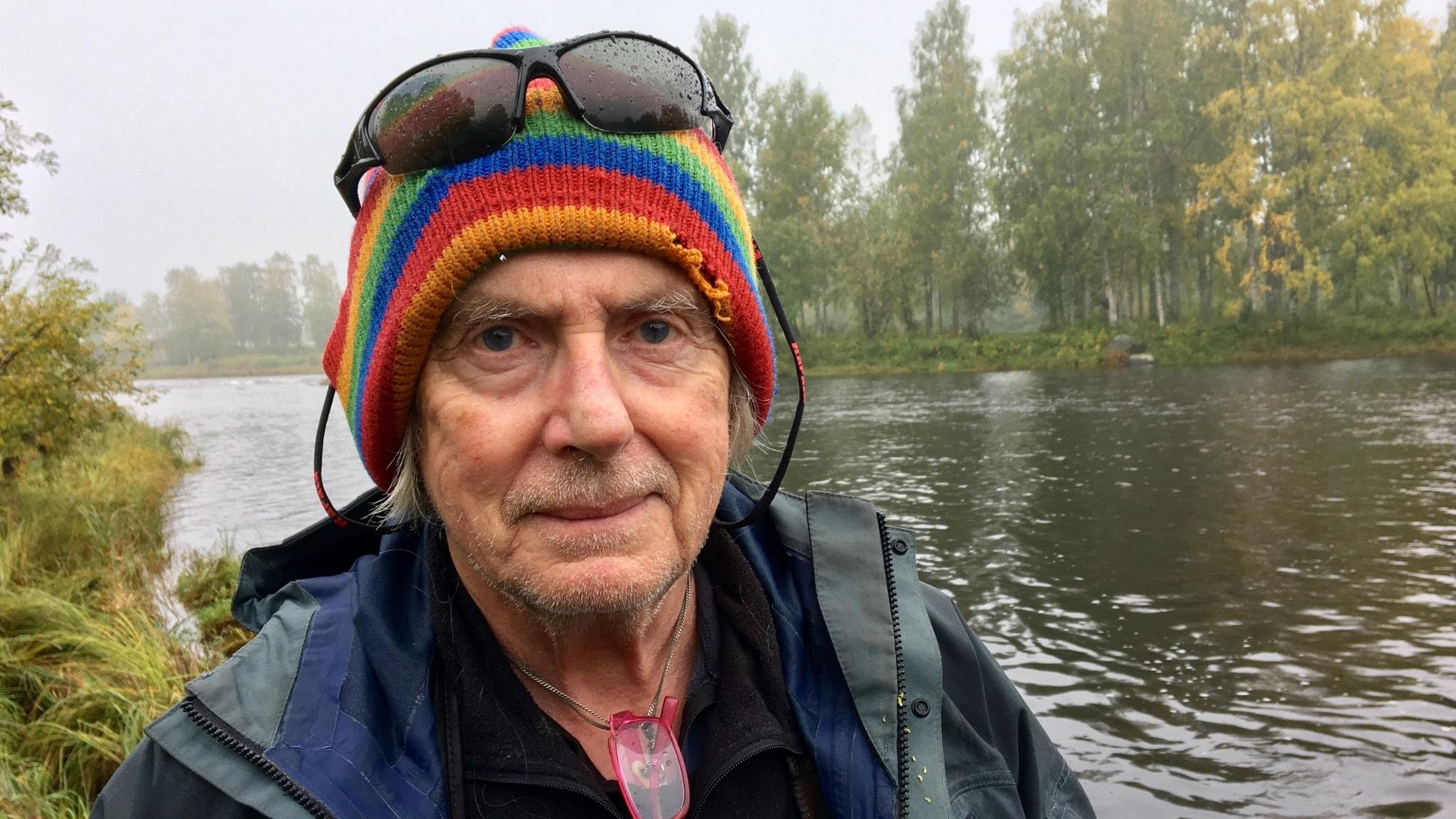 Fiske- och vildmarksförfattaren Gunnar Westrin vid Råneälven.