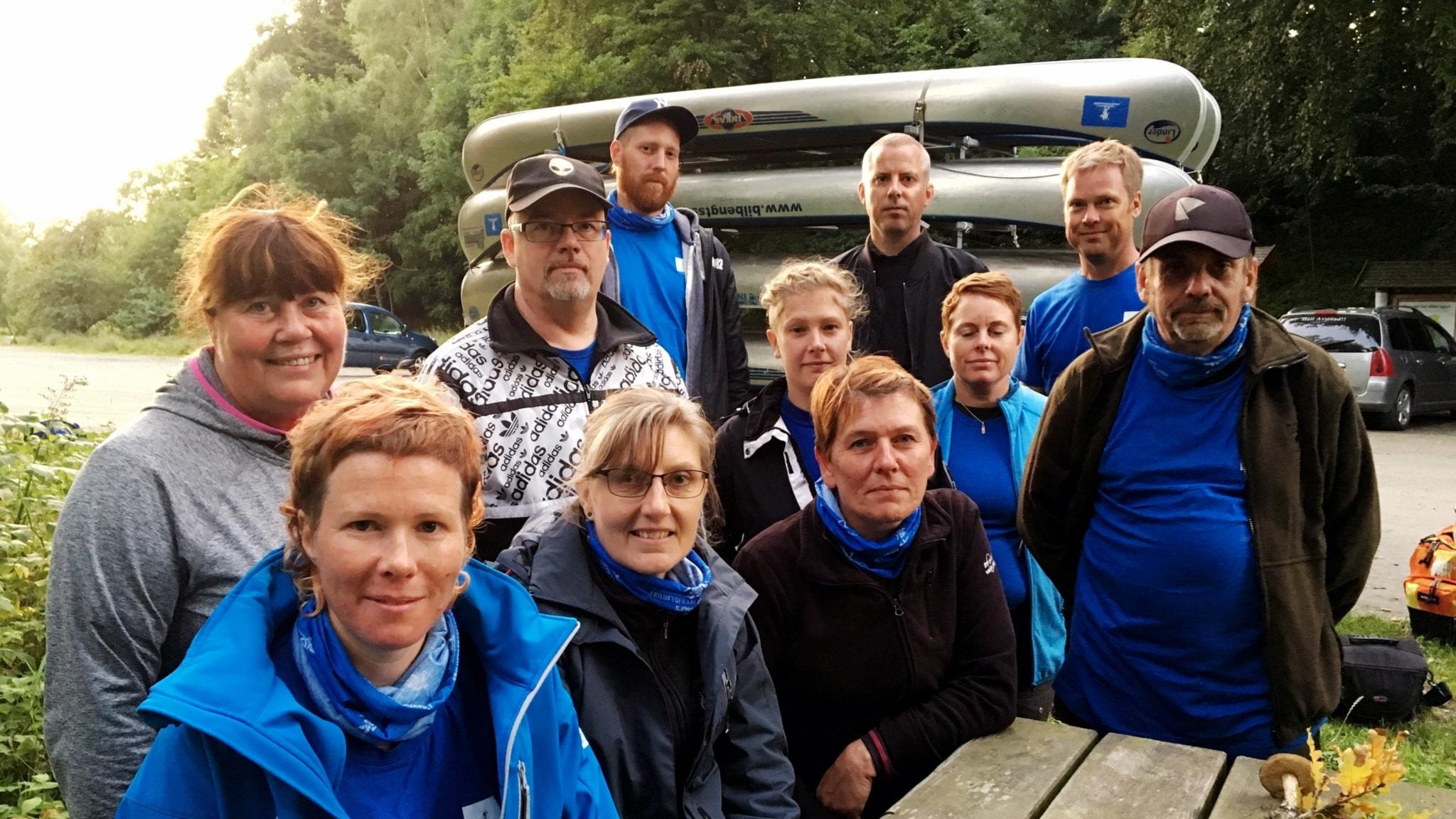Therese Rosenkvist (längst fram i blått) tillsammans med hela gänget från Ut och njut-projektet.