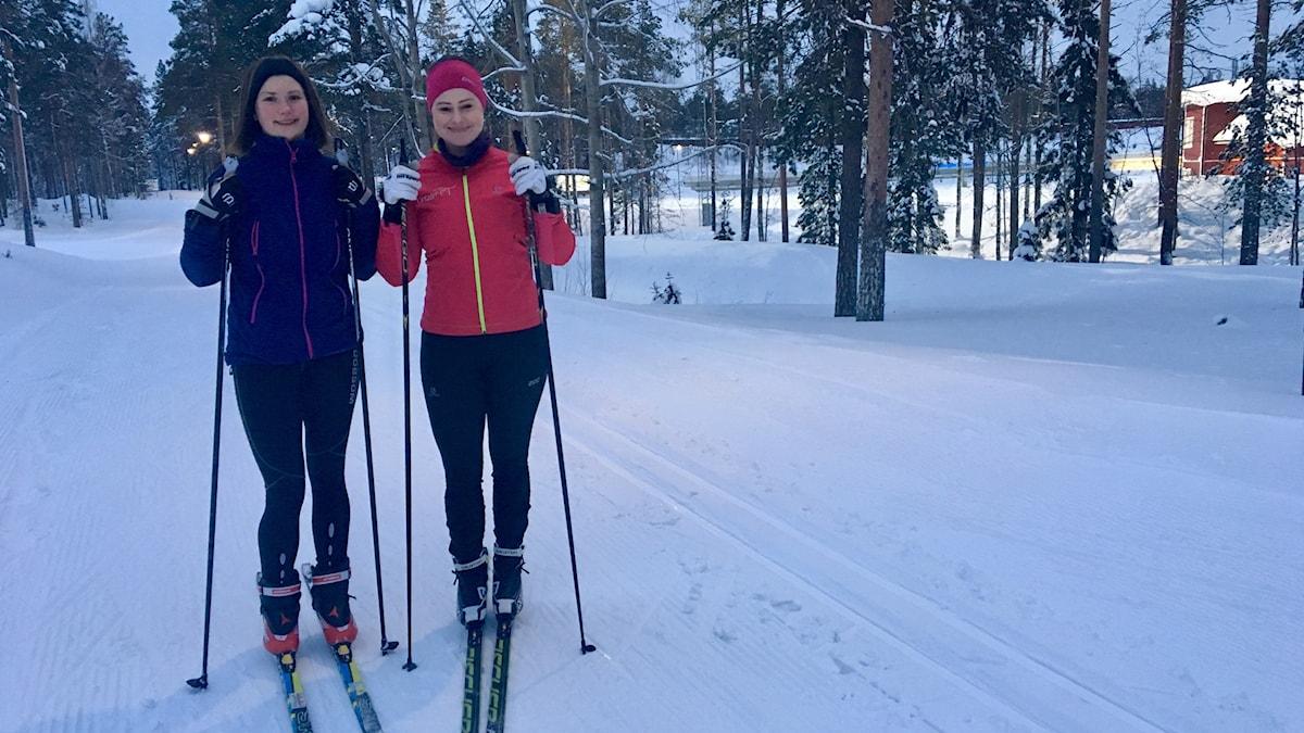Michaela Sandgren och Anna Lintzén.
