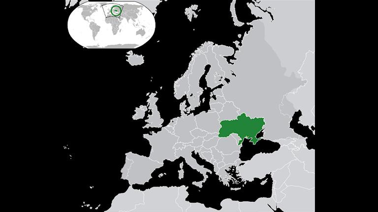 Ukraina ligger bredvid Ryssland.