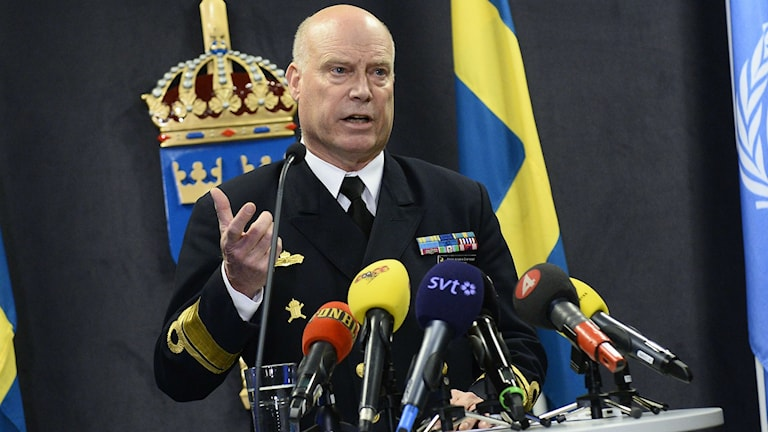 Anders Grenstad från försvaret berättade om att försvaret ska sluta leta. Foto: Claudio Bresciani/TT