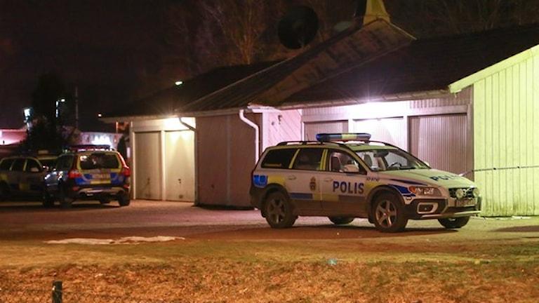 En man i Gällstad skjöts till döds av polisen. Foto Henrik Snygg vid P4 Jönköping