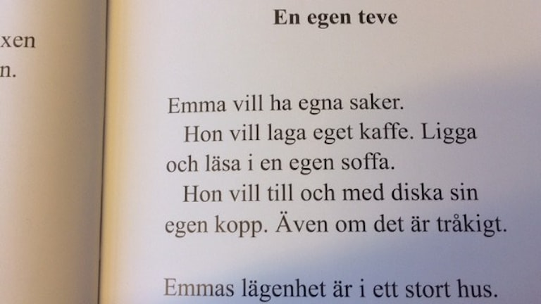 "Ett uppslag i boken ""Emmas nyckel"" av Ann-Charlotte Ekensten. Foto: Sofia Svenblad/Sveriges Radio"