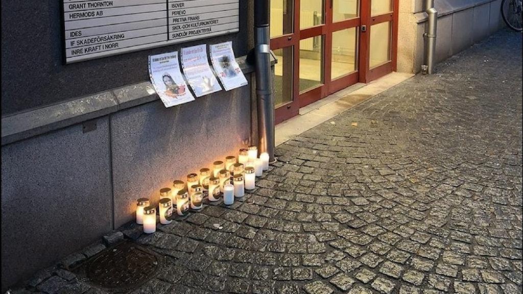 ljusmanifestation utanför FK