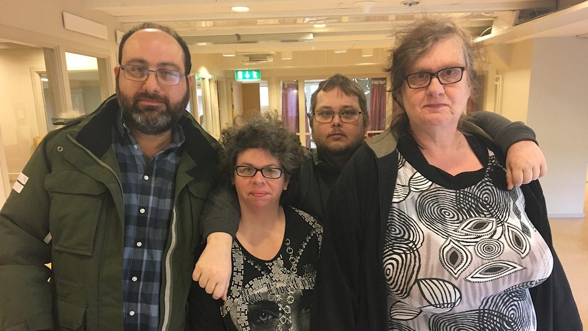 Foto av några av de som strejkar.