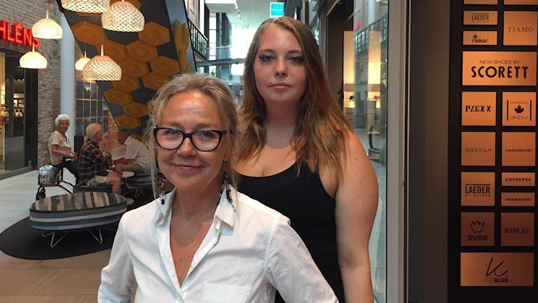 regissör Nina Jemth och Therese Kvist som spelar Alice