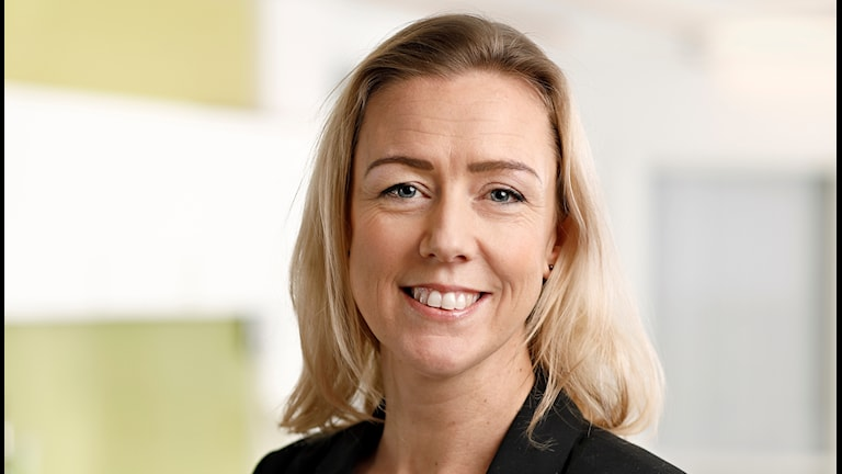 På bilden ser du Anna-Karin Quetel, som jobbar med matfrågor på Livsmedelsverket.
