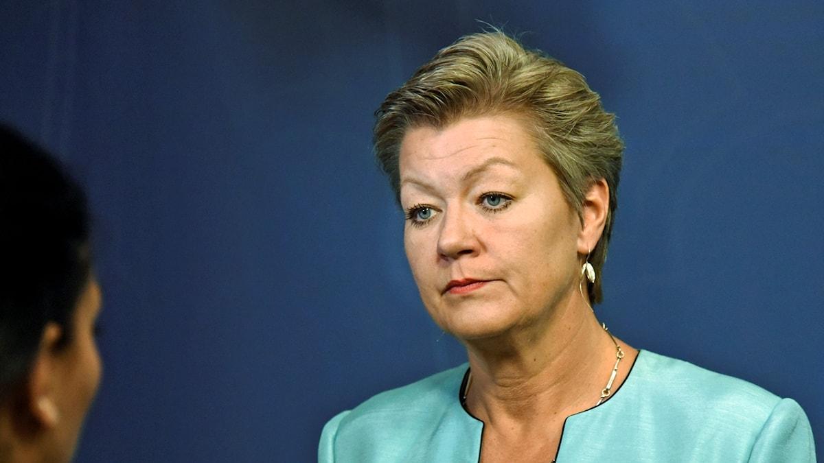 På fotot ser man en närbild av Ylva johansson.