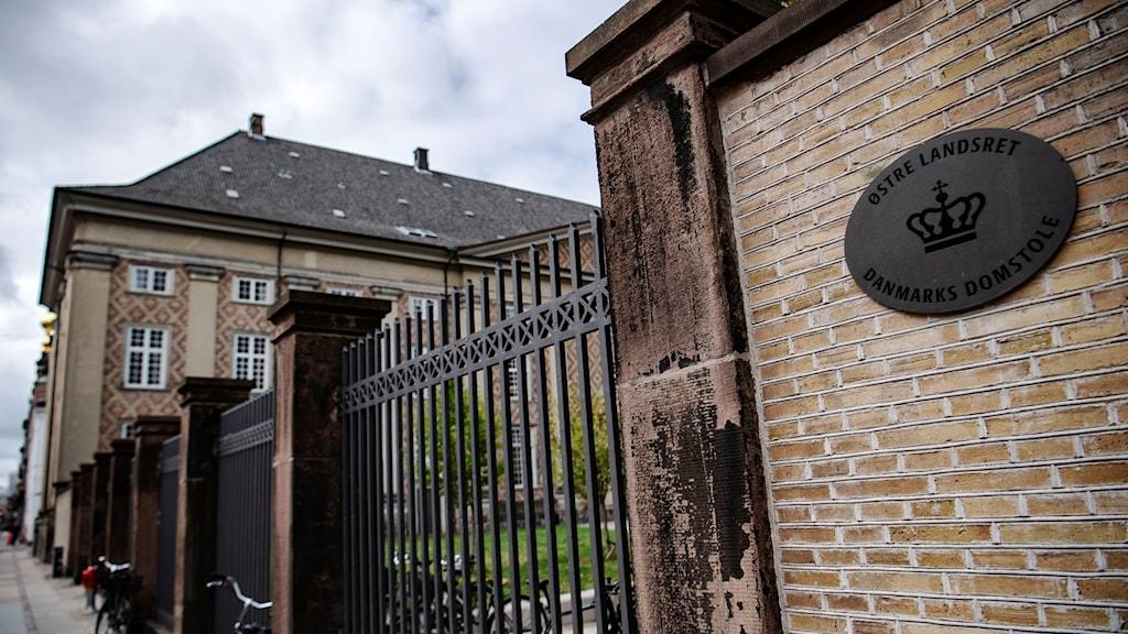 Bilden visar dansk domstol. Byggnaden är i Köpenhamn.
